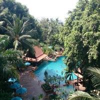 Photo taken at AVANI Pattaya Resort & Spa by Natakorn J. on 4/14/2013