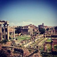 รูปภาพถ่ายที่ จัตุรัสโรมัน โดย Tatyana Z. เมื่อ 5/3/2013
