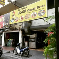 Photo taken at Singh Chapati House Sdn Bhd by Venoth on 5/21/2015