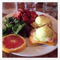 Das Foto wurde bei Insomnia Restaurant and Lounge von Andrew W. am 9/9/2014 aufgenommen