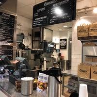 12/19/2017 tarihinde Andrew W.ziyaretçi tarafından M Burger'de çekilen fotoğraf