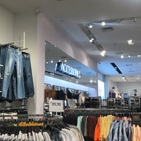 Photo taken at Forever 21 by Anderson L. on 7/20/2017