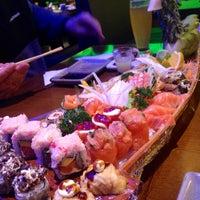 Photo taken at Yosugiru Sushi by Aline P. on 5/25/2014