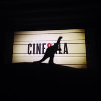 Foto tirada no(a) Cinesala por Gabriela M. em 9/17/2015
