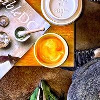 5/8/2016에 Danyel S.님이 Compass Coffee에서 찍은 사진
