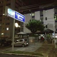 Foto tirada no(a) Littoral Hotel por Adriano C. em 5/25/2013