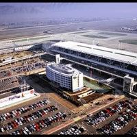 Photo taken at Comodoro Arturo Merino Benitez International Airport (SCL) by Sechu . on 4/16/2013