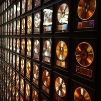 Photo taken at Country Music Hall of Fame and Museum by Rich V. on 11/19/2012