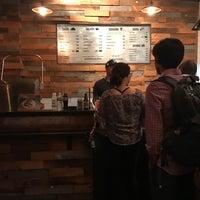 8/13/2017 tarihinde Laurence H.ziyaretçi tarafından Otto's Tacos'de çekilen fotoğraf