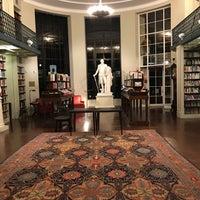 Das Foto wurde bei Boston Athenaeum von Laurence H. am 10/31/2017 aufgenommen