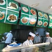 Photo taken at Hashim Restaurants by Abdulrhman W. on 11/20/2017