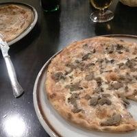 Photo taken at Pizzeria Minoa by Jose Miguel R. on 2/22/2016