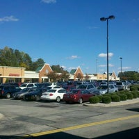 Photo taken at Williamsburg Premium Outlets by Ian M. on 10/21/2012