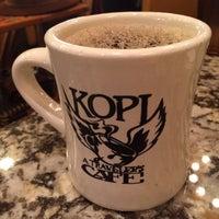 11/4/2014 tarihinde Bill D.ziyaretçi tarafından Kopi Café'de çekilen fotoğraf