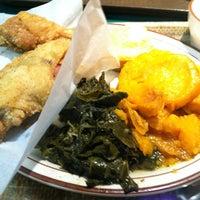 Das Foto wurde bei MacArthur's Restaurant von Bill D. am 11/10/2012 aufgenommen