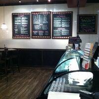 Foto scattata a Pete's Pizzeria & Bakehouse da Bill D. il 9/2/2013