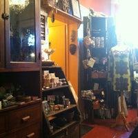 10/13/2013 tarihinde Bill D.ziyaretçi tarafından Kopi Café'de çekilen fotoğraf