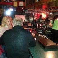 2/21/2013 tarihinde Troy P.ziyaretçi tarafından Hudson's Classic Grill & Bar'de çekilen fotoğraf