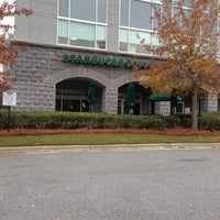 Foto tirada no(a) Starbucks por Troy P. em 11/29/2012