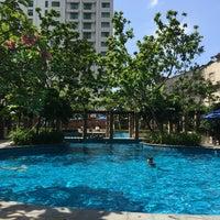 Photo taken at Pool · The Westin Kuala Lumpur 吉隆坡威斯汀酒店 by Lokman on 10/2/2016