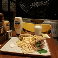 12/12/2017 tarihinde Matteo B.ziyaretçi tarafından Bubada Club Sandwich and Burger'de çekilen fotoğraf