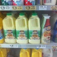 Photo taken at Publix by Raymond S. on 10/28/2012
