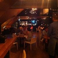 Photo prise au Azul Tapas Lounge par Emily Z. le8/2/2013