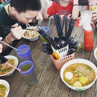 Photo taken at Xiao Er Laksa by elyss.chee on 1/31/2017