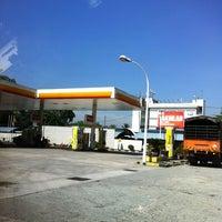 Photo taken at Shell by Ghazali J. on 5/18/2013