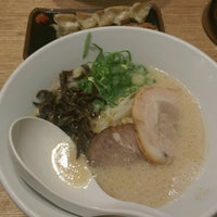 Photo taken at Ippudo by Y U. on 8/13/2016