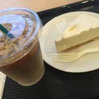 Photo taken at カフェ・ベローチェ 一番町店 by Hideki K. on 9/15/2016
