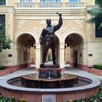 Photo taken at USC School of Cinematic Arts (SCA) by Logan K. Y. on 11/15/2012