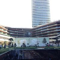 10/14/2013 tarihinde Sinan B.ziyaretçi tarafından Zorlu Center'de çekilen fotoğraf