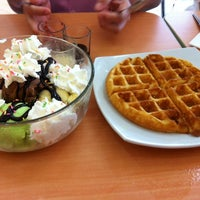 Photo taken at Ha Chai Ice~cream by 'แมวเหมียว' ค. on 6/24/2014