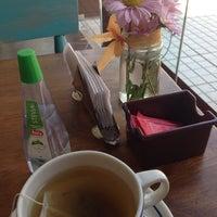 Photo taken at Café Marrón by Lucienne V. on 4/23/2014