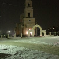 Photo taken at Церковь Троицы Живоначальной by vika r. on 12/13/2014