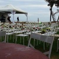 Photo taken at Abrolhos Bar e Restaurante by José C. on 2/23/2013