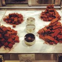 Das Foto wurde bei Nine Thirty by Awfully Chocolate von Matthew T. am 12/29/2012 aufgenommen