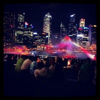 Foto tirada no(a) Marina Bay Sands Boardwalk por East Grace L. em 1/30/2013