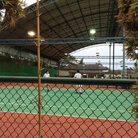Photo taken at Văn Thánh Tennis Court by Lam Khue on 4/26/2014