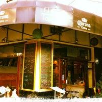 Foto tomada en Flora Lounge por Arturo R. el 8/9/2013