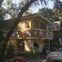 Foto tomada en Dry Creek Cafe & Boat Dock por Mike M. el 9/5/2017