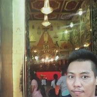 Photo taken at ตรอกวัดอินทรวิหาร by Hero B. on 3/10/2015