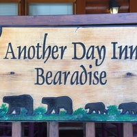 Photo taken at Another Day in Bearadise Rental Cabin by Cabin Fever Vacations by Adí on 9/3/2016