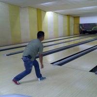 Photo taken at 88 Hokki Bowling Center by ROBERT L. on 9/29/2012
