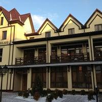 Снимок сделан в George Palace пользователем R L. 1/12/2013