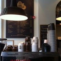 9/28/2014 tarihinde Tanya E.ziyaretçi tarafından The Monocle Café'de çekilen fotoğraf