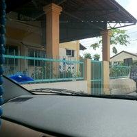 Photo taken at SJK (C) Yoke Min, Bangi by Siti Norizan S. on 8/20/2013