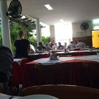 Foto tirada no(a) Restaurante São Pedro por Balero M. em 3/27/2014