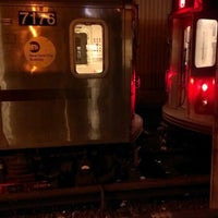Photo taken at MTA Subway - Mosholu Parkway (4) by Michael N. on 5/13/2013